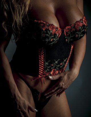 sexy-3048156_1920